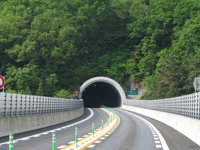 東海北陸自動車道 飛騨トンネル